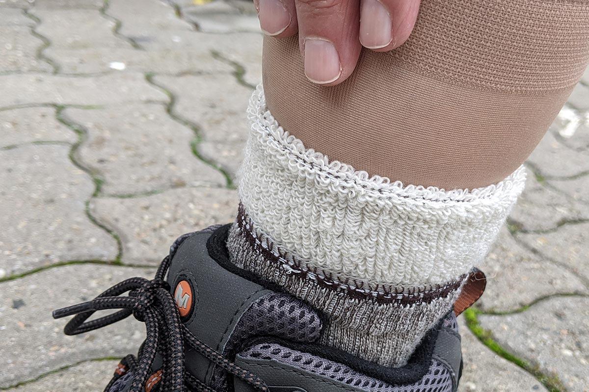 You are currently viewing Zwei Socken übereinander tragen?